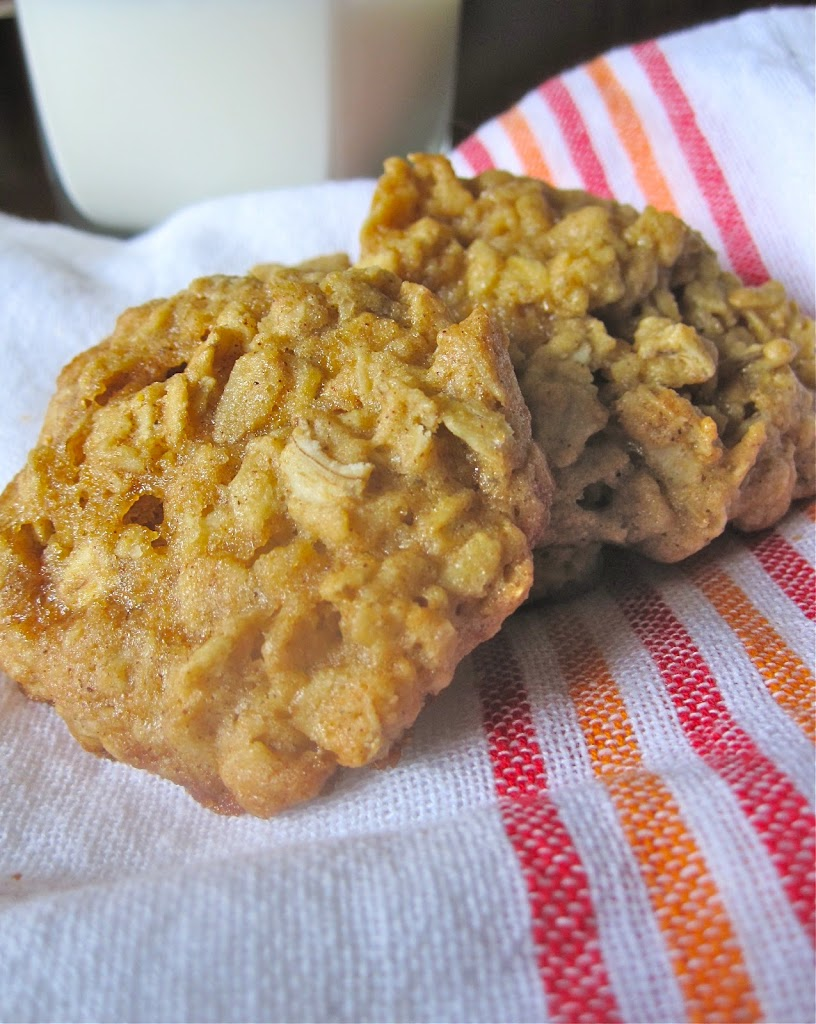 Maple-Cinnamon Oatmeal Cookies - Catz in the Kitchen
