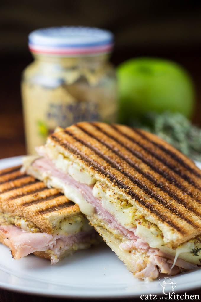 Ham, Gruyère, & Apple Panini - Catz in the Kitchen