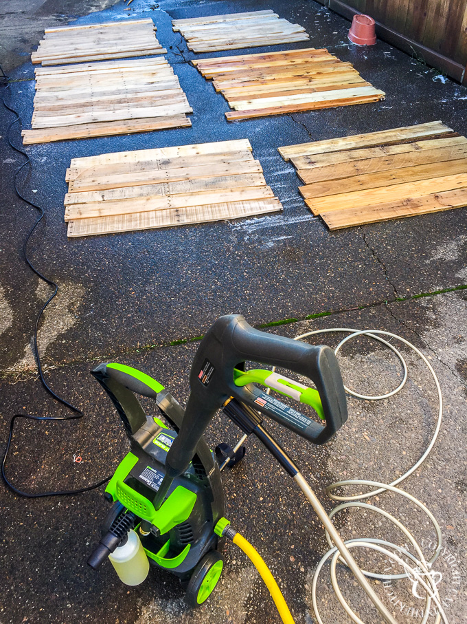 How to clean pallets